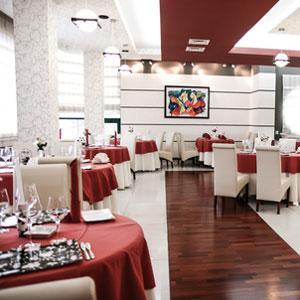 Die Atmosphäre Innerhalb Eines Restaurants Ist Einer Der Maßgeblichsten  Punkte Für Einen Gast. Bewusst Oder Unterbewusst, Unangenehme Akustik  Verprellt Oft ...